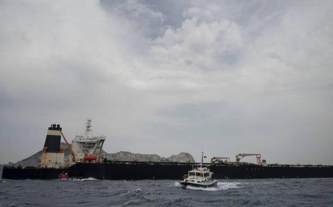 """Iran nói """"mọi kẻ thù phải rời khỏi khu vực"""" khi Anh thả tàu chở dầu"""