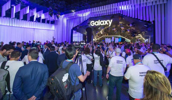 Từ Sony đến Samsung, những công ty dẫn đầu làng công nghệ đang dịch chuyển dần từ Nhật Bản sang Hàn Quốc - Ảnh 1.