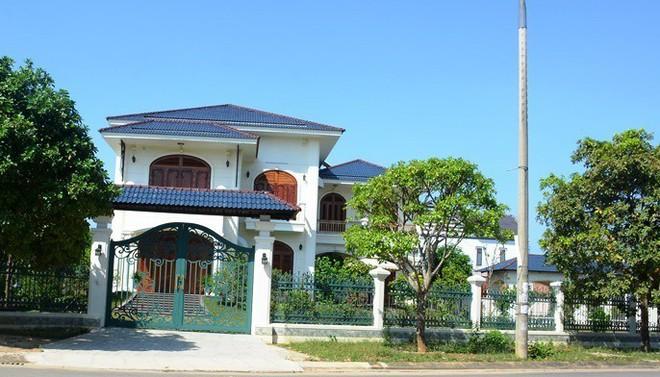 Hàng loạt cá nhân liên quan đến 2 lô đất của vợ cựu Bí thư Quảng Nam - Ảnh 1.
