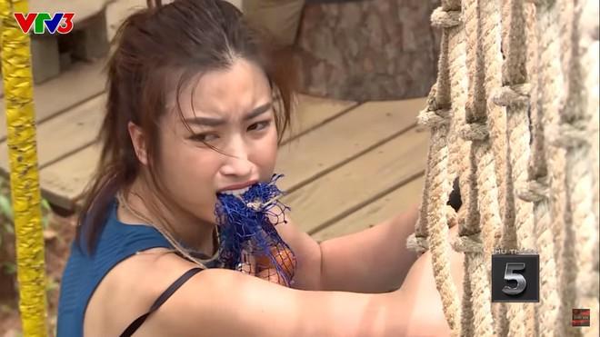 Lộ clip hậu trường, Hoa hậu Đỗ Mỹ Linh lại bị chỉ trích vì khiến đồng đội phát cáu, chán nản - ảnh 1