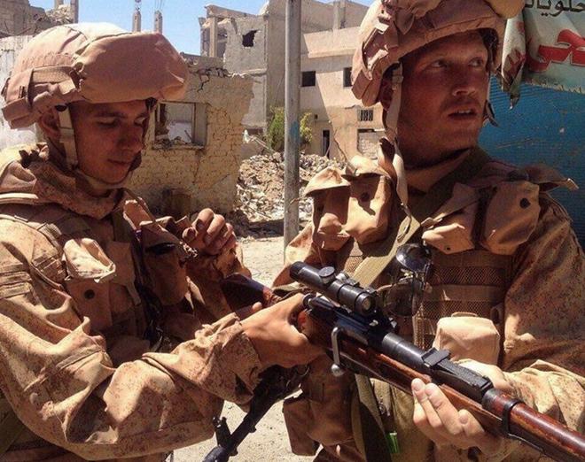 Không thiếu vũ khí xịn, binh sĩ Syria vẫn thích dùng súng bắn tỉa cổ lỗ Mosin: Vì sao thế? - Ảnh 1.