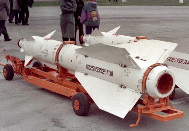 Sự cố hy hữu: Lính Nga kích hoạt tên lửa Kh-29TD của chiếc Su-30SM nằm dưới đất - Ảnh 2.