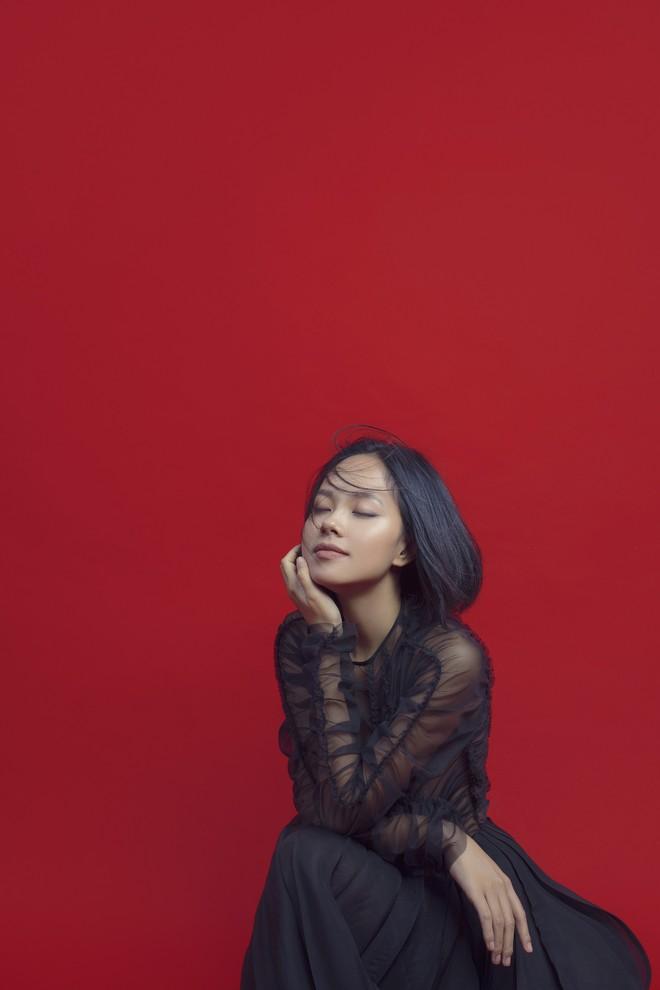Hoàng Quyên tái xuất với hình ảnh nữ tính, ngọt ngào của người phụ nữ đang hạnh phúc - Ảnh 8.