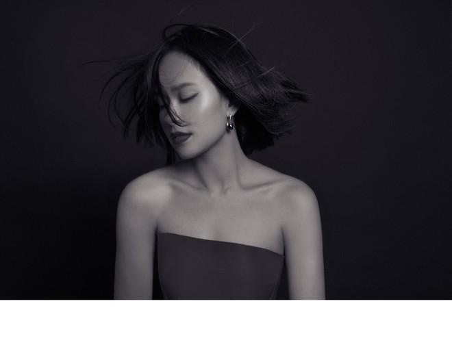 Hoàng Quyên tái xuất với hình ảnh nữ tính, ngọt ngào của người phụ nữ đang hạnh phúc - Ảnh 6.