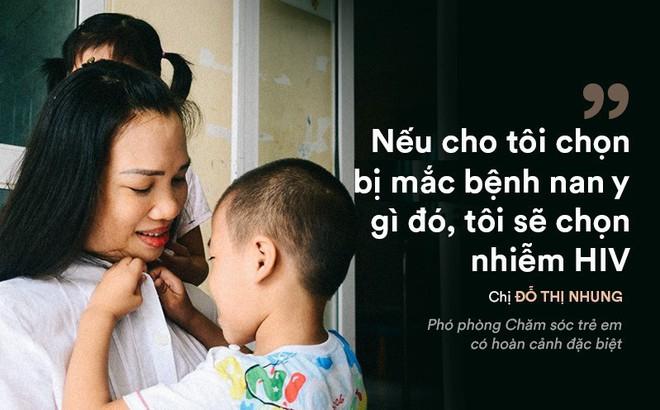 """Người phụ nữ kỳ lạ """"chọn"""" nhiễm HIV, dành cả cuộc đời làm mẹ những đứa trẻ có H"""