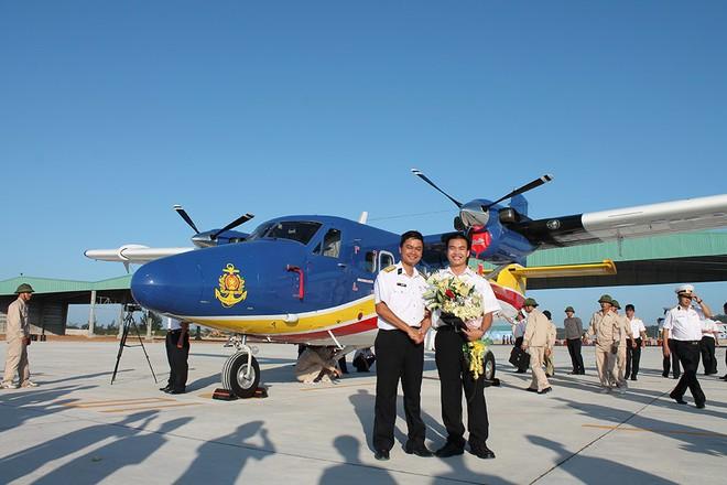 Chàng phi công đầu tiên lái thủy phi cơ qua 5 quốc gia về Việt Nam - Ảnh 5.
