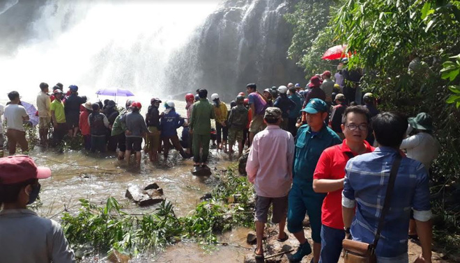 Tìm kiếm 3 thanh niên mất tích ở thác nước: Chưa tiếp cận được trung tâm dòng thác - Ảnh 5.