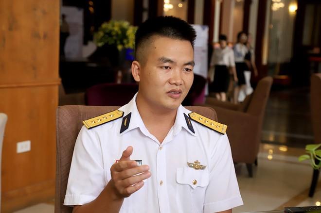 Chàng phi công đầu tiên lái thủy phi cơ qua 5 quốc gia về Việt Nam - Ảnh 7.