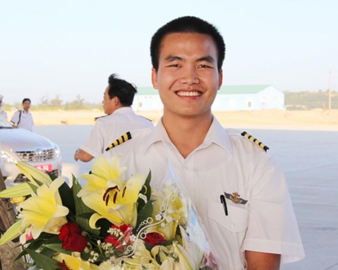 Chàng phi công đầu tiên lái thủy phi cơ qua 5 quốc gia về Việt Nam - Ảnh 10.