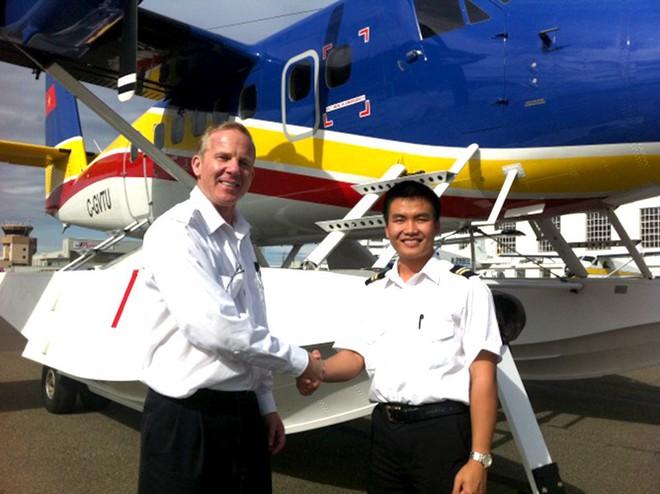 Chàng phi công đầu tiên lái thủy phi cơ qua 5 quốc gia về Việt Nam - Ảnh 11.