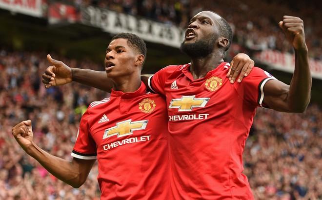 Man United, xin đừng quá bất công với Lukaku!