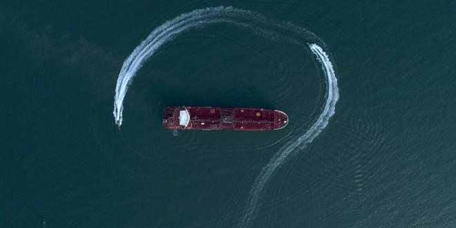 Tàu chiến Hải quân Anh bất lực đứng nhìn Iran bắt giữ tàu chở dầu: Tại sao? - Ảnh 2.