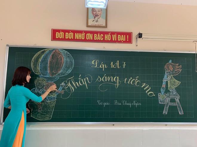 Cô giáo lớp 1 đứng bục giảng khiến mạng xã hội chiều thứ 6 xôn xao - Ảnh 5.