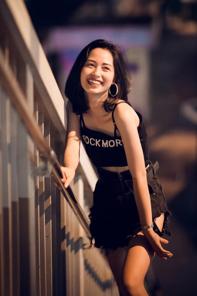 Sau bức ảnh xinh đẹp chụp trên phố Trần Duy Hưng, cô gái nhận loạt tin nhắn nhạy cảm - Ảnh 3.