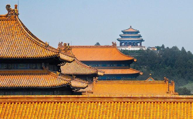 Điều gì khiến mái nhà trong Tử Cấm Thành luôn luôn sạch bóng dù đã hơn 600 năm tuổi?