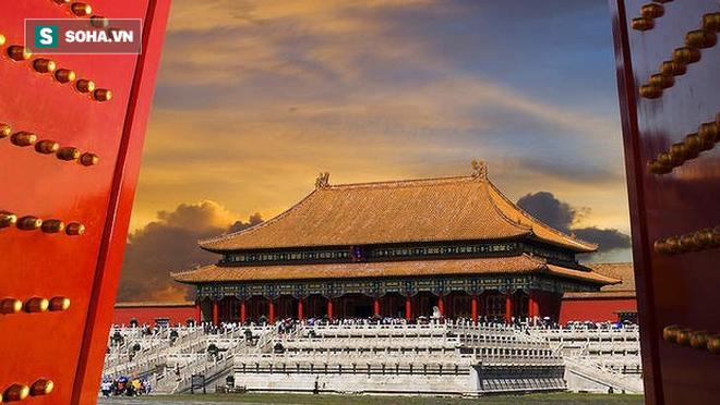 Điều gì khiến mái nhà trong Tử Cấm Thành luôn luôn sạch bóng dù đã hơn 600 năm tuổi? - ảnh 1