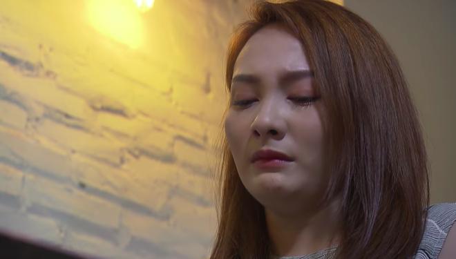 Đạo diễn Về nhà đi con hô cắt, Bảo Thanh vẫn khóc tiếp khiến đoàn phim sửng sốt - Ảnh 2.