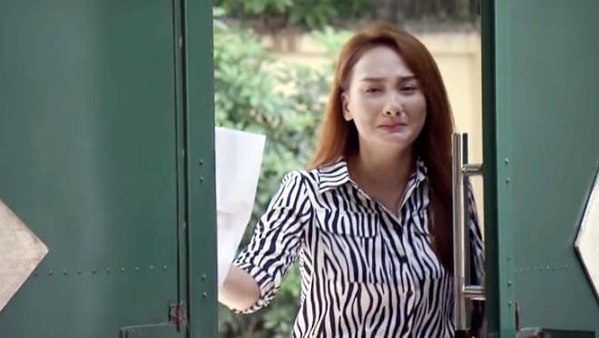 Đạo diễn Về nhà đi con hô cắt, Bảo Thanh vẫn khóc tiếp khiến đoàn phim sửng sốt - Ảnh 5.