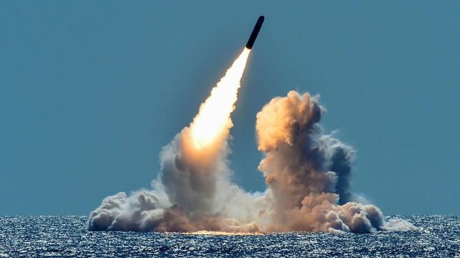 Mỹ thử tên lửa bị cấm theo INF: Phát súng kích nổ cuộc chạy đua vũ trang hạt nhân với Nga? - Ảnh 2.