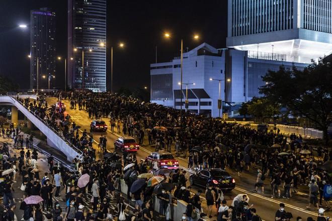 Ông Tập Cận Bình ở đâu, làm gì giữa lúc bị TT Trump gửi loạt thông điệp dồn ép về Hồng Kông? - Ảnh 3.