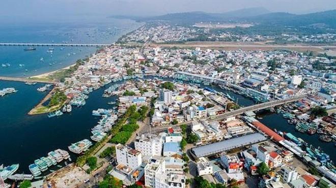 Xin ý kiến Bộ Chính trị thành lập thành phố biển đảo đầu tiên - Ảnh 1.