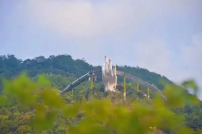 Đâu chỉ mỗi Cầu Vàng, Trung Quốc còn có hàng loạt phiên bản nhái của các địa điểm nổi tiếng thế giới - ảnh 4