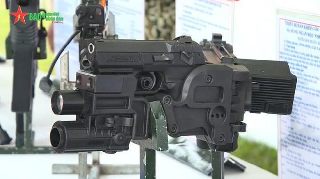 Khẩu súng đặc biệt - Vũ khí chống khủng bố cực lợi hại của Đặc công Việt Nam - Ảnh 2.