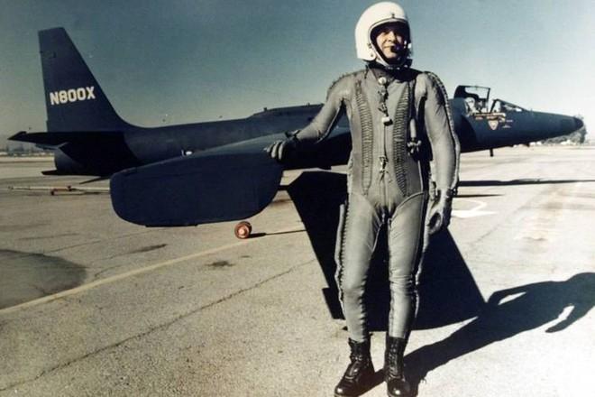 Chỉ huy Liên Xô dàn trận địa tên lửa bắn tan xác máy bay do thám U-2, bắt sống phi công Mỹ - Ảnh 2.