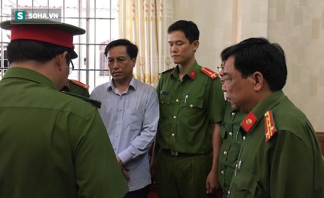 [Nóng] Bắt giam nguyên Chủ tịch, Phó Chủ tịch UBND TP Trà Vinh - Ảnh 1.