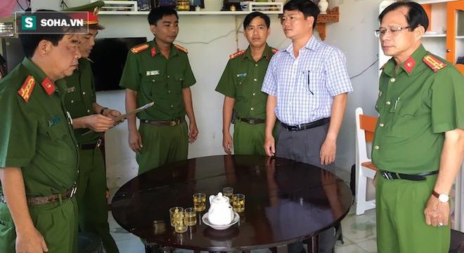 [Nóng] Bắt giam nguyên Chủ tịch, Phó Chủ tịch UBND TP Trà Vinh - Ảnh 2.
