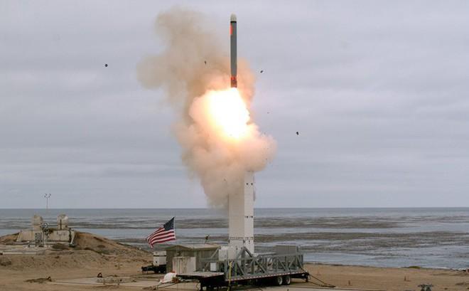 """Cuộc đua vũ khí hạt nhân trở lại khi Mỹ """"nổ súng"""""""