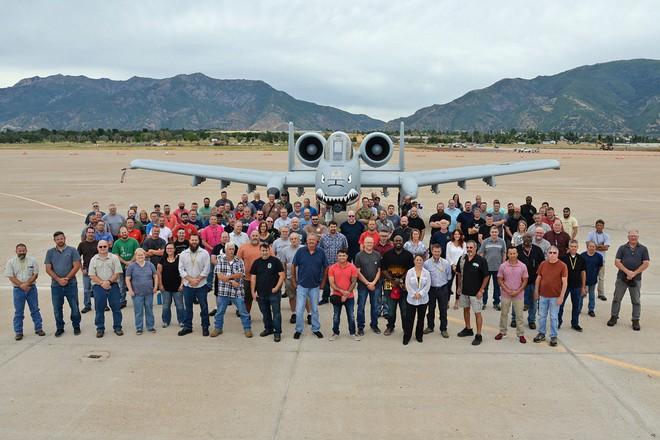 Hãy quên F-35 đi: Lợn lòi A-10 sẽ tiếp tục thống trị chiến trường với đôi cánh mới? - Ảnh 6.
