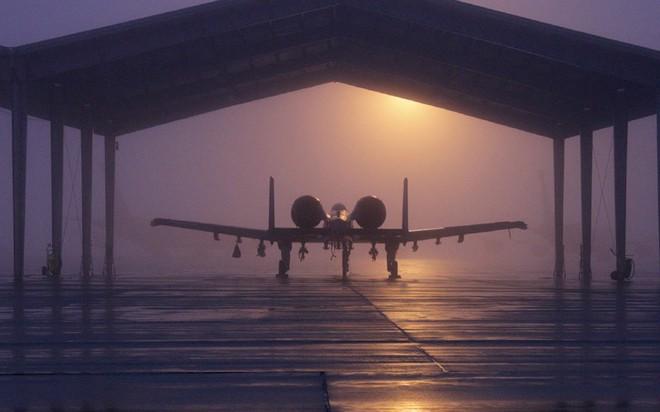 Hãy quên F-35 đi: Lợn lòi A-10 sẽ tiếp tục thống trị chiến trường với đôi cánh mới? - Ảnh 3.