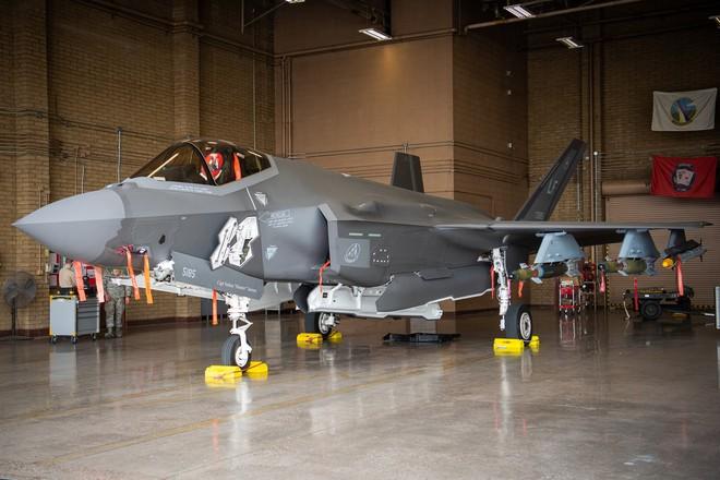 Hãy quên F-35 đi: Lợn lòi A-10 sẽ tiếp tục thống trị chiến trường với đôi cánh mới? - Ảnh 7.