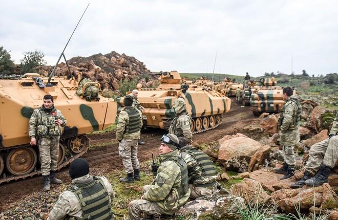Cú đánh hiểm nào của Nga-Syria khiến toàn bộ hệ thống phòng thủ Thổ Nhĩ Kỳ và HTS sụp đổ? - Ảnh 2.