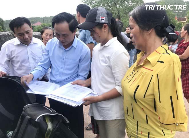 Nữ sinh nghèo phải cất giấy báo nhập học phấn chấn, xúc động trong ngày đầu tiên ra Hà Nội nhập học - Ảnh 2.
