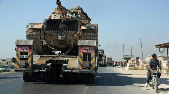 QĐ Syria chiến thắng như chẻ tre, giải phóng Khan Shaykhun, thắt chặt vòng vây Hama - Khủng bố tháo chạy - Ảnh 1.