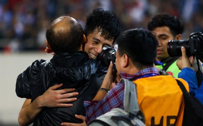 HLV Park Hang-seo, đừng vì sợ Thái Lan mạnh mà chơi cú