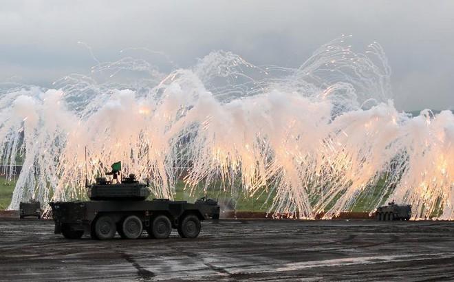 24h qua ảnh: Xe tăng của Lực lượng phòng vệ Nhật Bản phô diễn hỏa lực
