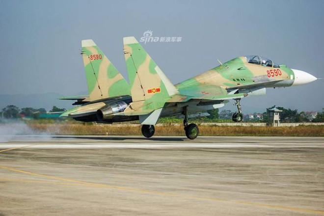 Báo Trung Quốc nói gì về tiêm kích Su-30MK2 hiện đại nhất của Không quân Việt Nam? - Ảnh 3.