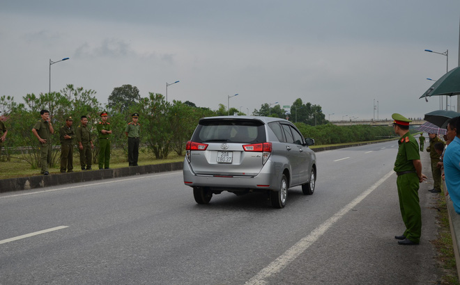 Luật sư, tài xế phản đối buổi thực nghiệm hiện trường vụ container tông xe Innova lùi trên cao tốc