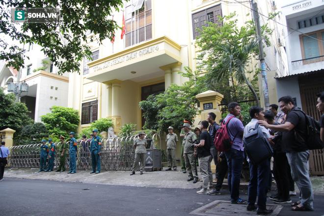Nguyễn Hữu Linh choáng váng sau khi tòa tuyên án 1 năm 6 tháng tù - Ảnh 9.