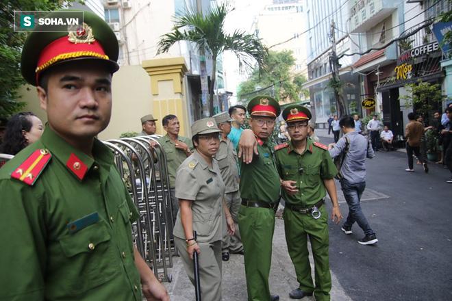 Nguyễn Hữu Linh choáng váng sau khi tòa tuyên án 1 năm 6 tháng tù - Ảnh 5.