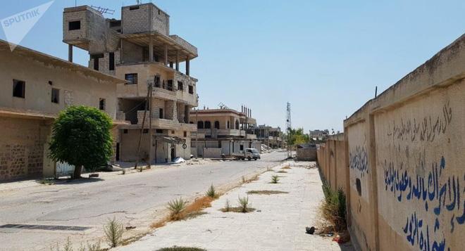 CẬP NHẬT: Nga ùn ùn chở hàng nóng tiếp viện đến Syria - Quân Assad thắt chặt vòng vây, tiễn phiến quân xuống địa ngục - Ảnh 2.