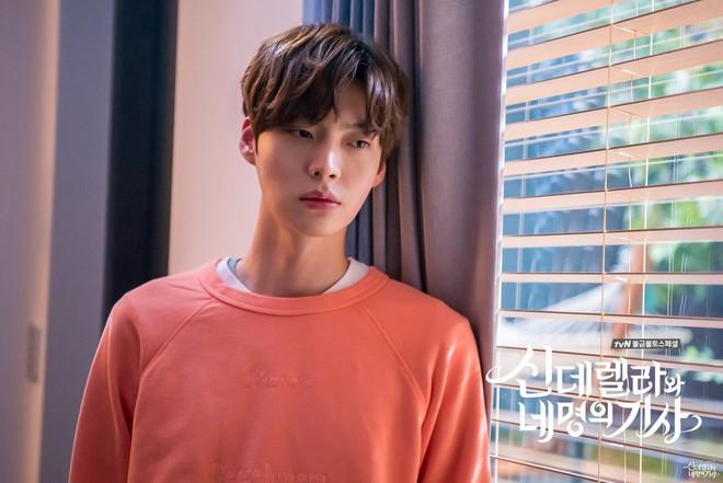 Giữa bão ly hôn với Goo Hye Sun, Ahn Jae Hyun khánh kiệt tới mức phải đi vay tiền ngân hàng - ảnh 1