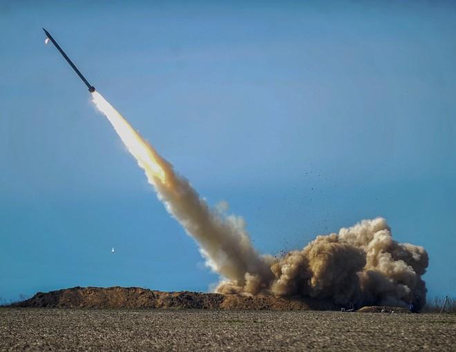 Bóc mẽ 2 loại tên lửa Ukraine nhăm nhe nhấn chìm mọi tàu chiến Nga, bay thẳng đến Điện Kremlin - Ảnh 2.