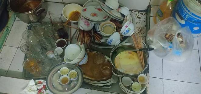 Chồng gọi bạn đến nhậu, vợ bị bạt tai vì cằn nhằn và đống bát đĩa bẩn rửa đến 2 giờ sáng - ảnh 1