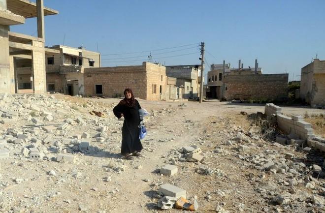 Chùm ảnh quân Assad đánh cho kẻ thù thua tan tác ở chiến trường khốc liệt Syria - Ảnh 10.