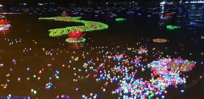 Xôn xao vụ 30.000 hoa đăng thả xuống vịnh Lan Hạ gây ô nhiễm - Ảnh 4.