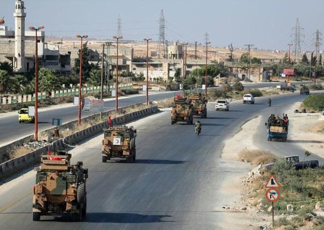 Chùm ảnh quân Assad đánh cho kẻ thù thua tan tác ở chiến trường khốc liệt Syria - Ảnh 7.